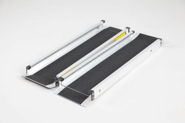 Pair of telescopic channel ramps