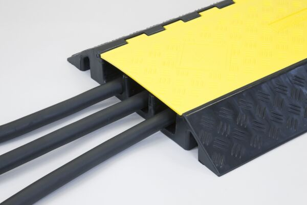 Cable tidy for industrial use
